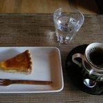 カフェ うかれ雲 - (館内撮影禁止ですが料理のみ撮影許可済)ケーキセット