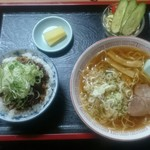 やっぱりラーメン黒野 - 料理写真:Cセット840円税別