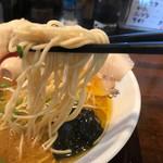 一恭 - 麺のリフト練習中