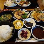 69495841 - 豚の角煮とひれかつ膳(1830円)