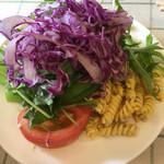 洋食Mogu - オムライスのサラダ  モリモリです(笑)