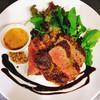 バグース・バー - 料理写真:ディナータイムの人気メニュー。ブラックアンガス牛ロースのソテー。ぜひご賞味ください。