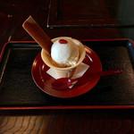 竹仙 - 手作りとうふアイス 390円