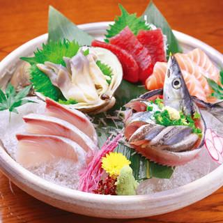 新鮮な魚介類ご用意しておまちしております。