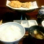 69505838 - 海老ホタテかき揚げ定食1620円。写真+野菜天4+茶碗蒸し+サラダ+抹茶アイス