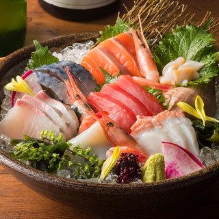 厳選した旬の魚介や野菜!