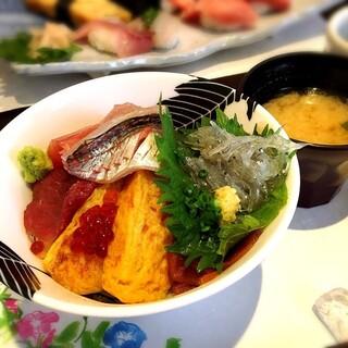 鮨庵さいとう 本店 - 海鮮丼