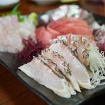 舟勝 - 刺身盛り合わせ(真鯛、ふっこ、金アジ、メジマグロ、地タコ)