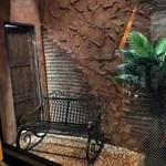 シークレットゲート カフェ - 1階入り口入ってすぐのウインドウディスプレイ。なかなか気が付きにくいところまで凝っています。