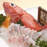 郷土料理 おが - 料理写真:きんき刺身   鮮度抜群。最高級の網走産一本釣りきんきを使用しています。