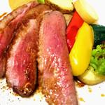 ハンガリー産鴨胸肉のロースト