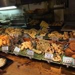 讃岐うどん大使 東京麺通団 - 天ぷらだけでなくコロッケもありました