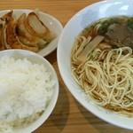 ラーメン ますみ - 料理写真:中華そばは少し食べてます!