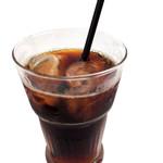 シークレットゲート カフェ - キリっとしたアイスコーヒーは男の人に人気のあるドリンクです。