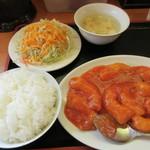 中華料理 紅華楼 - エビチリ定食