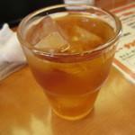 中華料理 紅華楼 - 食後の烏龍茶、コーヒーも有り