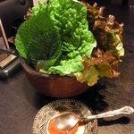 yakinikudoukaisan - 上焼肉セットのサンチュ