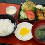 Kyariri - カキフライ定食