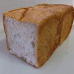 いのパン店 - 木の実パン1/2 180円