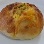 いのパン店 - たくさんチーズパン280円