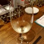 69536991 - 【2017.7.03(月)】グラスワイン(白)600円