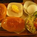 さぼうる - ロールパンのモーニングセット