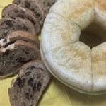 マド マド キッチン - 料理写真:購入したパン2種