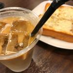 ノードカフェ - アイスカフェオレとツナチーズトースト