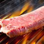 アンビルハウス - グリルで焼き上げるアメリカンビーフステーキ