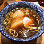 神田 勝本 - 特製清湯つけそば1,030円のスープ