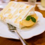 ラ・ファミーユ - 料理写真:シフォンケーキ