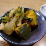 69564047 - ◉かぼちゃと菜っぱの煮物(サービス)