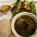 トティデ - 鮮魚のアクアパッツァ  900円 (スープ、ドリンク付き)