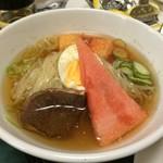 プルコギ焼肉専科 - 半冷麺
