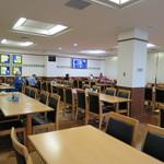 目黒区役所 レストラン - きれいで広い食堂。