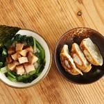 うなりや - 豚角煮丼(小)+半餃子セット