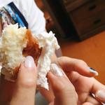 小松パン店 - 簡単に手でちぎれます