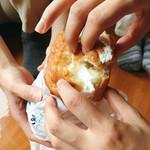 小松パン店 - 順番にね!焦らず焦らず!