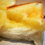 食パン専門店 デアイ・ザ・ベーカリー - ハニーナッツトースト(バタートーストが美味しい!!)