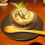 喜臨軒 - ピータン豆腐