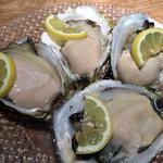 69578808 - 岩牡蠣。たまらない美味しさでした。