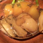 品川牡蠣入レ時 - カブと牡蠣のスッポンスープの鍋