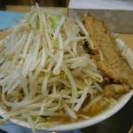 ラーメン大二郎  - 野菜まし もやし凄い!