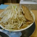 ラーメン大二郎  - 大二郎 中 野菜まし