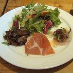 6958108 - シェフのおすすめランチの「サラダと前菜の盛り合わせ」