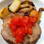 田町 イタリア食堂 LA CAVERNA - 豚肩ロースの白ワイン煮込み@LA CAVERNA