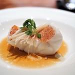 69583079 - 東星ハタの'清蒸' 香港スタイル 葱生姜のフィッシュ醤油ソース