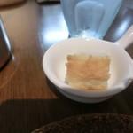 白のフライパン - パン