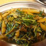 プルジャ ダイニング - 蕎麦の葉とポテトのクミン炒め
