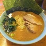 高根家 - 料理写真:ラーメン中盛  ¥780